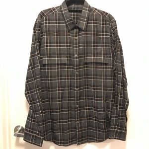 NWOT - Theory Clean Placket Trim Fit Shirt